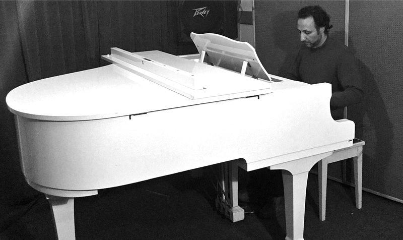 AZ Testa au piano 2016